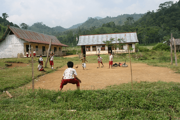 Lapangan beralaskan tanah jadi saksi bisu masa kecil kami