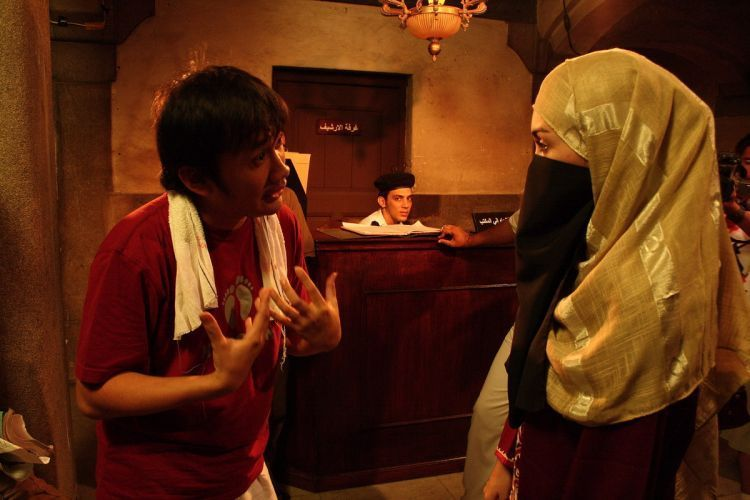 Hanung Bramantyo saat syuting Ayat-Ayat Cinta