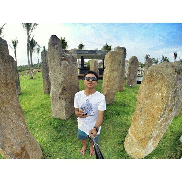 Stonehenge ala Bali di Pantai Purnama (via @agus_botak)