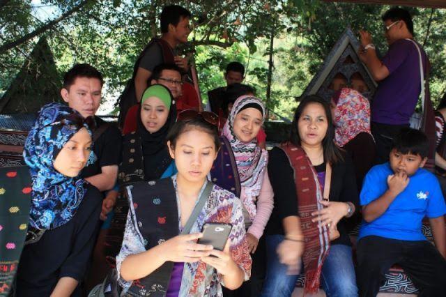 Marga adalah identitas utama orang Batak, bukan nama depan