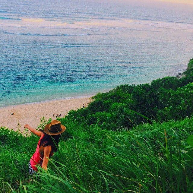 Pantai Gunung Payung (via @dewayu_embas)