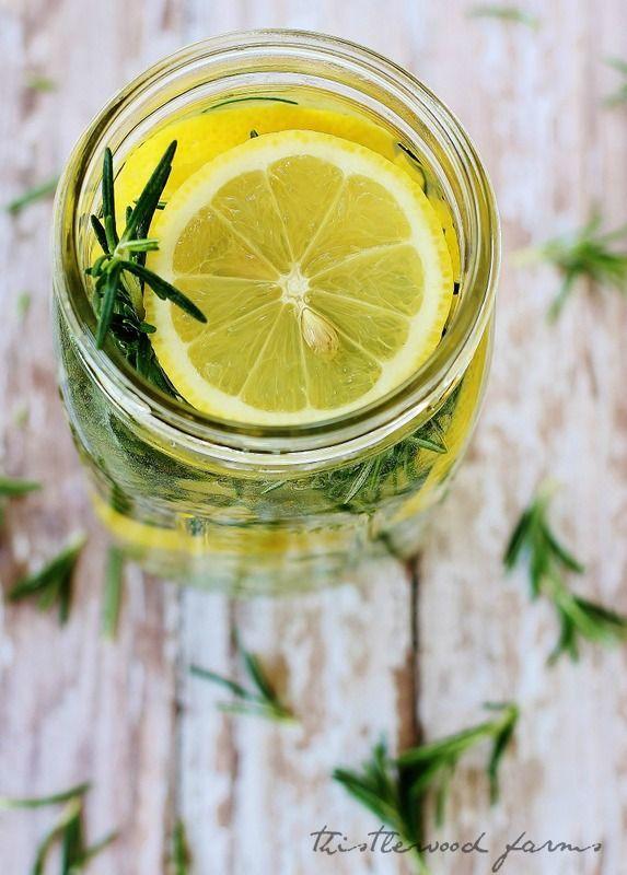 aroma lemon dan rosemary yang menyejukan dan menyegarkan