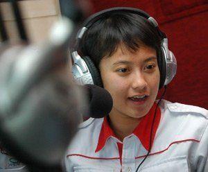 Tika yusuf adalah salah satu alumni HI yang terjun sebagai penyiar