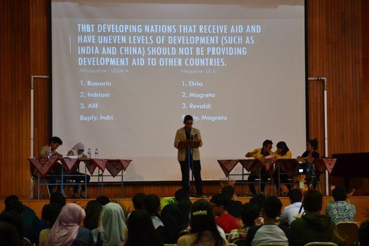 Full-time debater, part-time mahasiswa