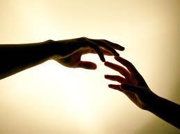 Tanganmu dan tanganku akan saling meraih