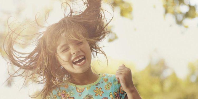 Dari kecil emang kamu udah bakat bikin orang ketawa