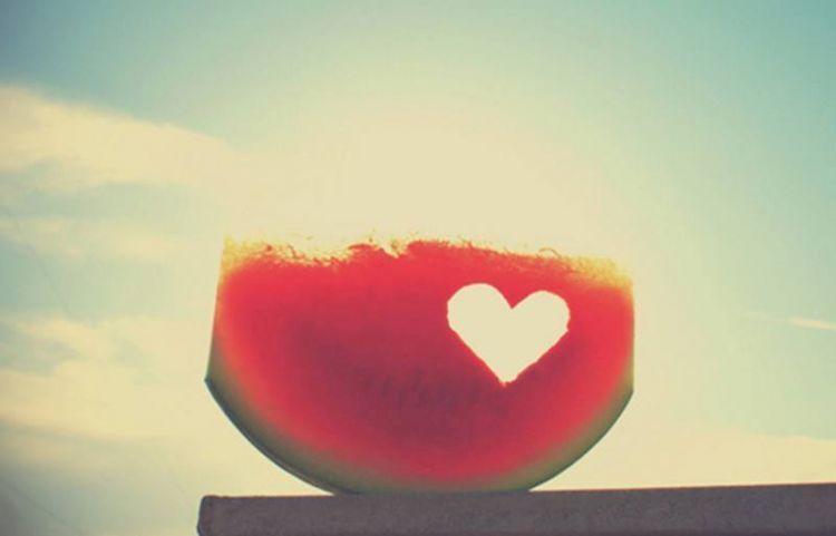 cinta seharusnya membuatmu bahagia