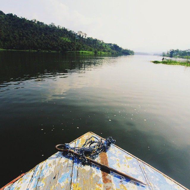 Danau Selorejo nan unik dan indah di mata   Kredit: @alexbhiseka