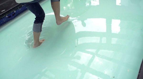 Kamu bisa jalan di atas air