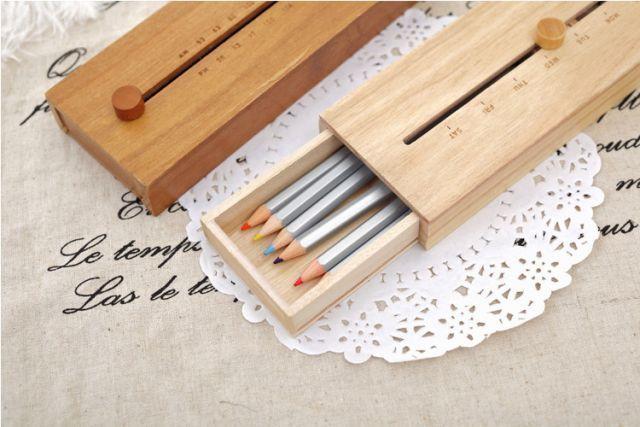 Jalani hidup dengan ekspresi bak baru mendapat kotak pensil baru yang kamu idamkan.