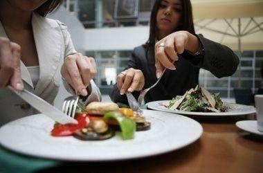 Table manner harus sangat diperhatikan
