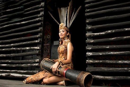 So guys, cowok atau cewek Indonesia memang seksi kok