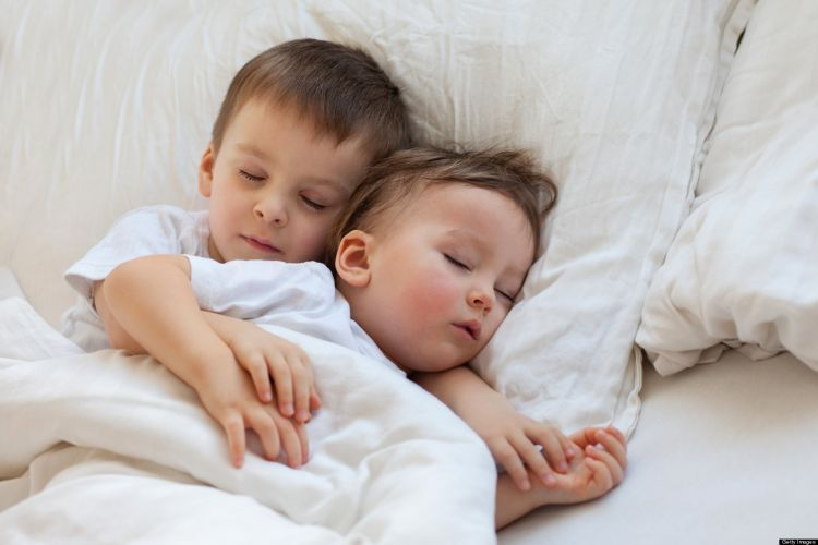 Kalau masih kecil tidur bareng ga hamil kok