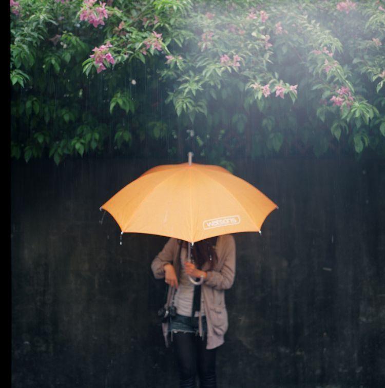 Gak usah iseng melamun saat hujan tiba