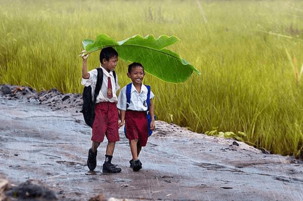 Bahagia itu adalah pulang sekolah sebelum waktunya