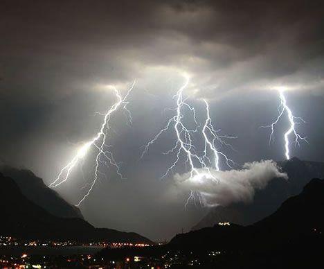 Badai besar pun datang