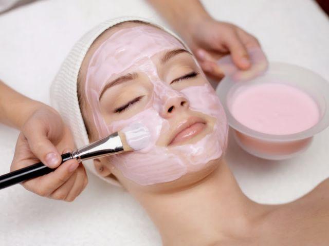 Masker dengan ekstrak bahan alami aman, tanpa efek samping