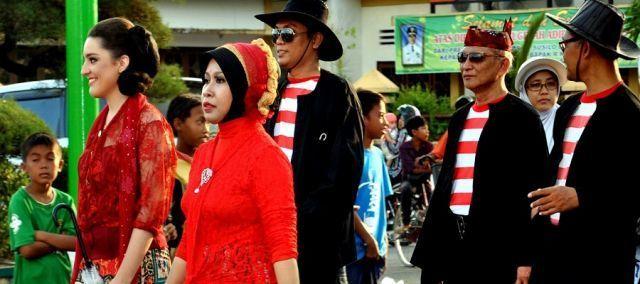 Baju khas Jawa Timuran dan Madura