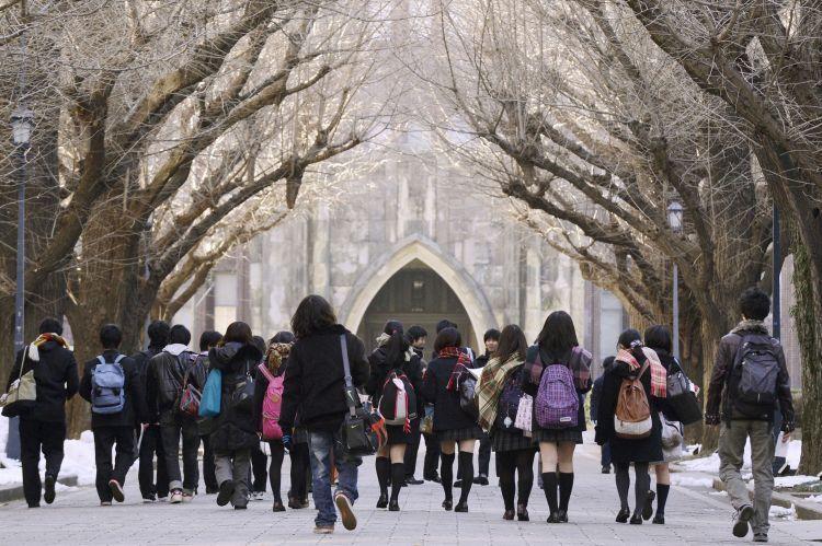 Anak-anak Jepang ternyata bisa survive dalam sistem yang keras ini