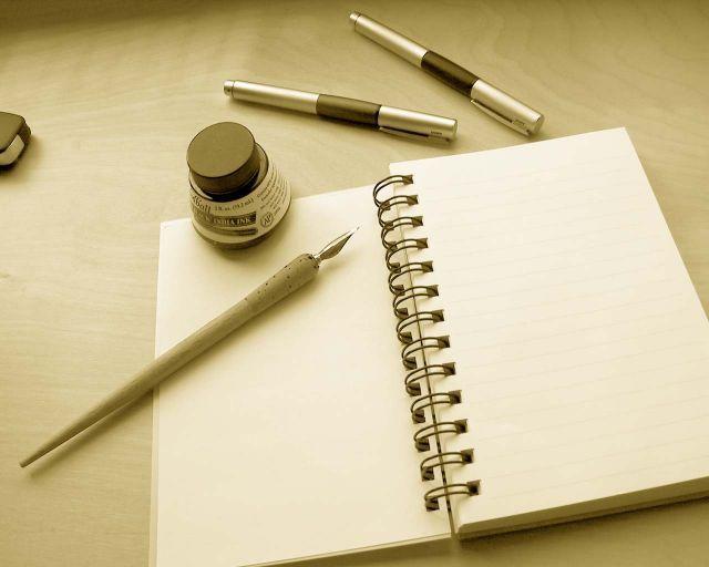 Siapkan apapun alat untuk menulis