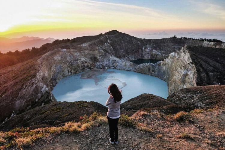 Danau Kelimutu memanjakan matamu dengan keindahannya (Kredit foto: @mafambayu)