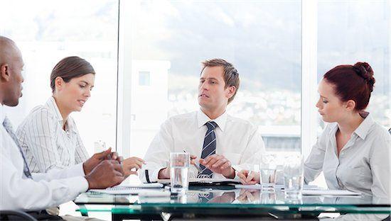 Meluangkan waktu untuk sharing tentang kesulitan kerja untuk meraih solusi