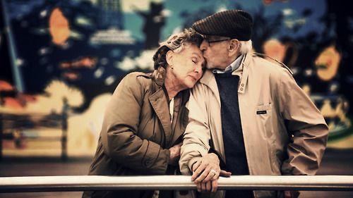 Mencintai bukan soal keabadian, hanya perkara kemampuan bertahan
