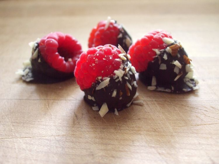 Gabungkan buah dengan dark chocolatemu