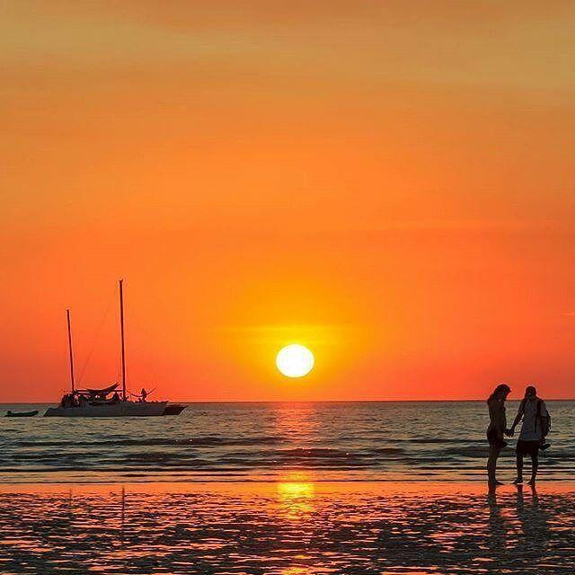 Pantai Mindil / (c) @tony_lawrence.sa