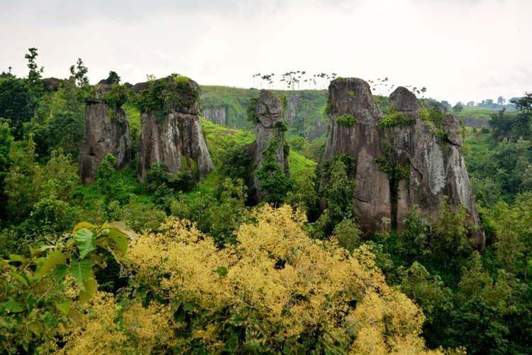 Stonehonge versi Indonesia, di Batu So'on Solor.