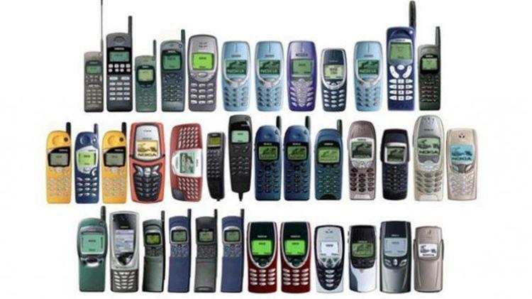 Handphone yang modern pada masanya