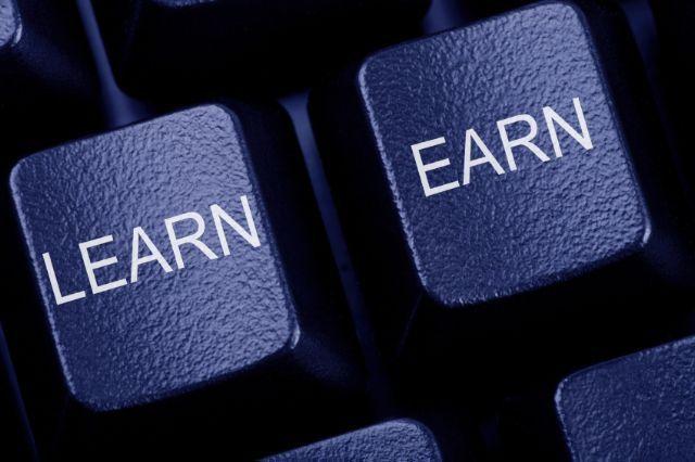 Pikirkan dengan Baik, menempa Pendidikan Lagi atau Mencari Uang?