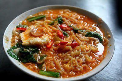 5 Makanan Yang Enak Disantap Saat Hujan Sore