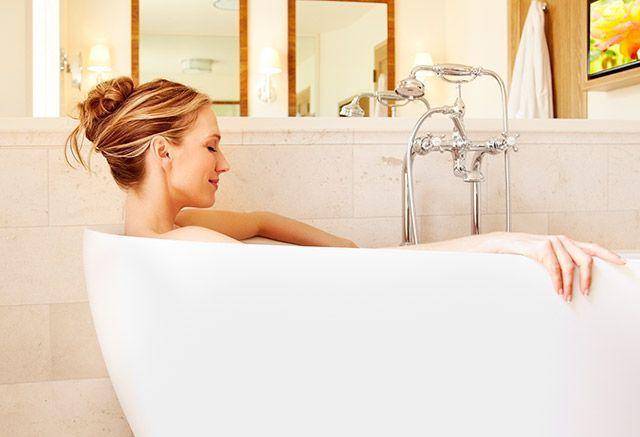 Melembutkan kulit saat mandi