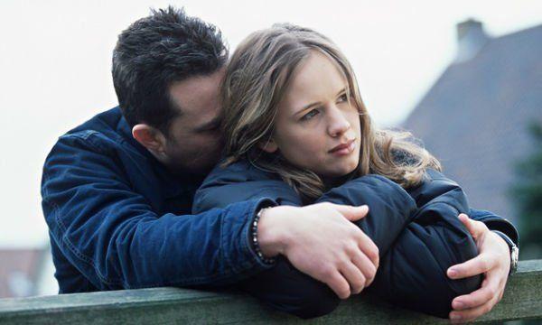 Pertengkaran dalam setiap hubungan akan selalu ada, Tapi Percayalah ia takan rela melakukan tindakan kasar!
