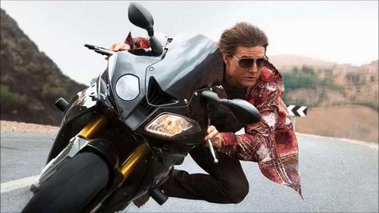 tom cruise beraksi hebat lagi di film ini