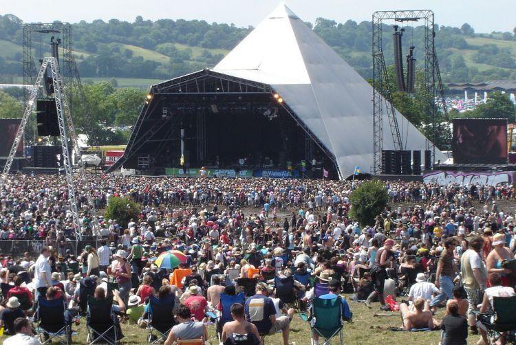Glastonbury adalah festival sekaligus wisata.