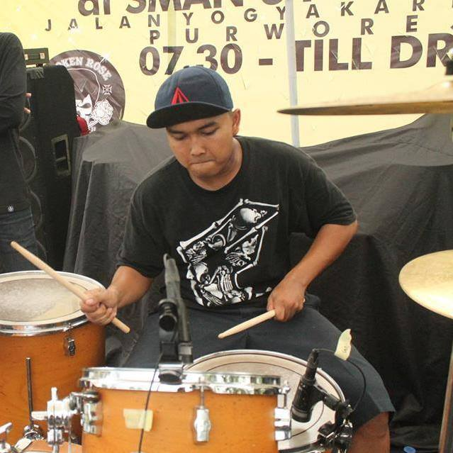 lagi nge-drums
