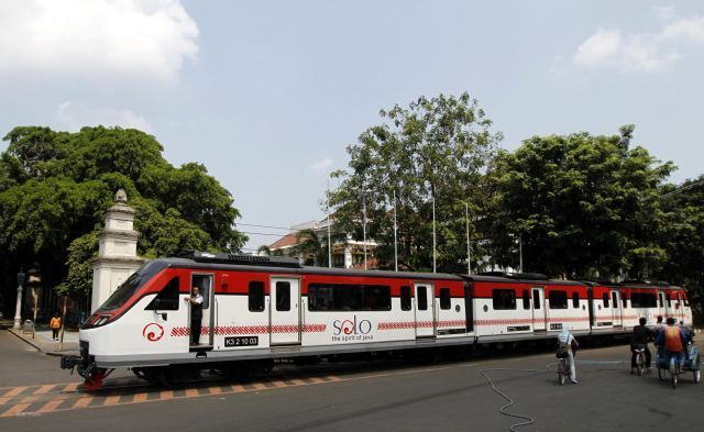 Railbus Batara Kresna (JIBI/Solopos/Burhan A)