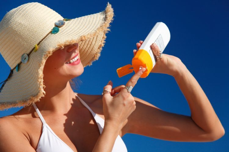 pantang keluar sebelum pakai sunscreen