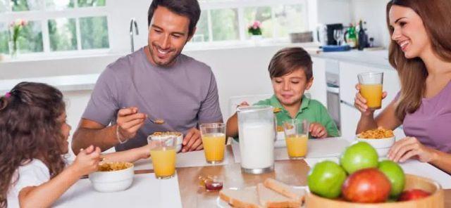 breakfast family