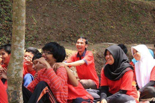 Didi Supriyadi, M.Kom, Dosen berprestasi 2015, Dosen Sistem Informasi Lulusan Universitas Diponegoro. Foto diambil saat outbond dengan mahasiswa