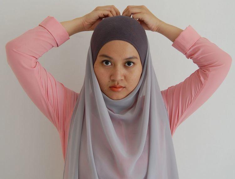 gaya jilbab simpel andalanmu