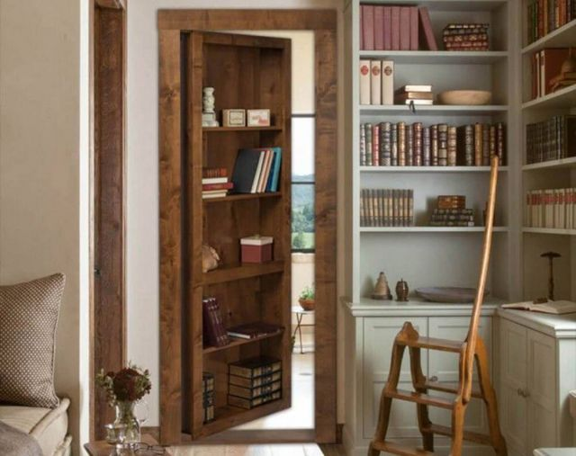Rak buku sebagai pintu rahasia //