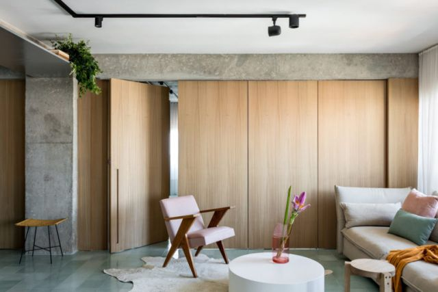 Foldable wall pemisah kamar tidur dan ruang keluarga //