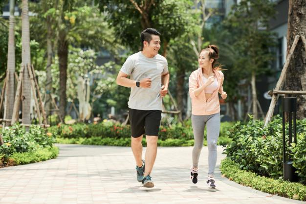 https://www.freepik.com/free-photo/couple-jogging-park_5633723.htm#page=1&query=jogging&position=21
