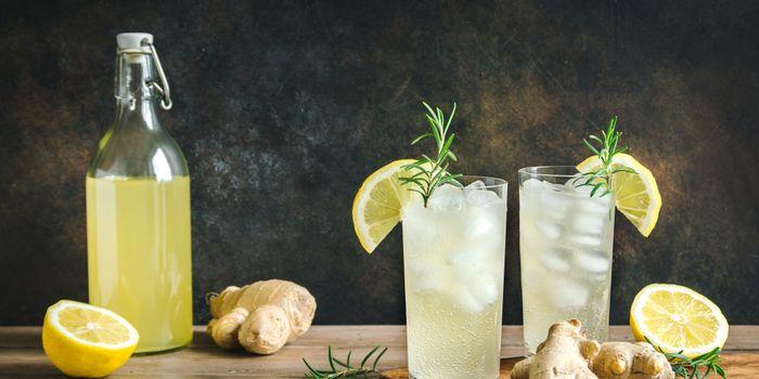 Es jahe lemon yang segar dan bisa menjadi sumber imun booster untuk tubuh kita