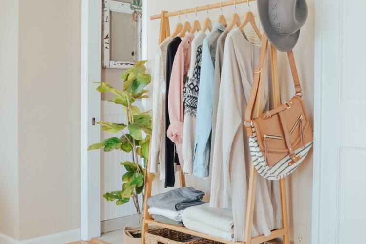 Wardrobe storage buat kamar cewek, karya Sarah Joy