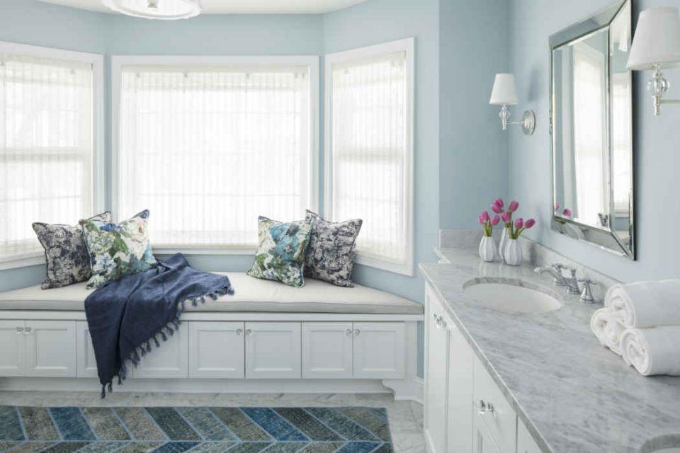 Dinding kamar mandi warna baby blue