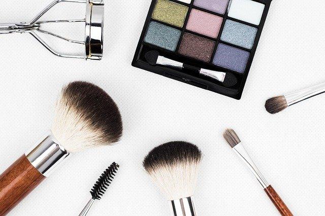 Gambar peralatan makeup